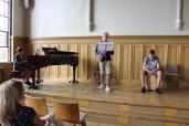 Eine Musikgruppe aus der achten Klasse